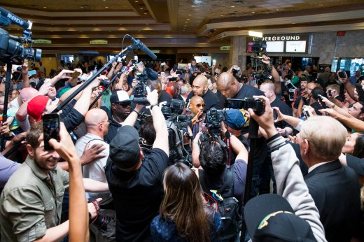 Mayweather inundated by fans