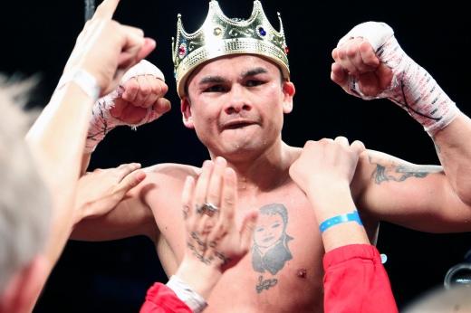 Marcos Maidana wearing crown